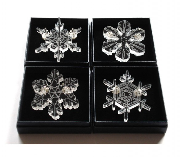 acrylic snow-cristal brooches collection by pop-a-porter
