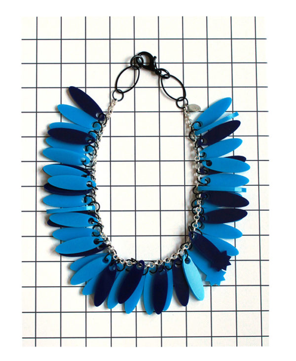 Acrylic blue necklace from pop-a-porter
