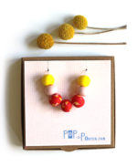 terrazzo_necklace_red_pink_yellow_on box