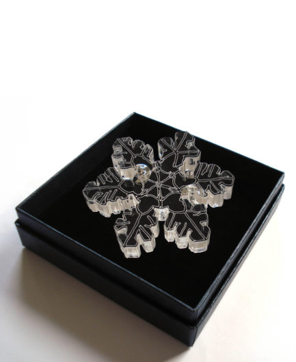 Statement Snow cristal brooch by Pop-a-porter