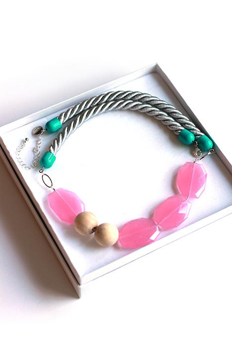 Statement necklace pastel pink by pop-a-porter