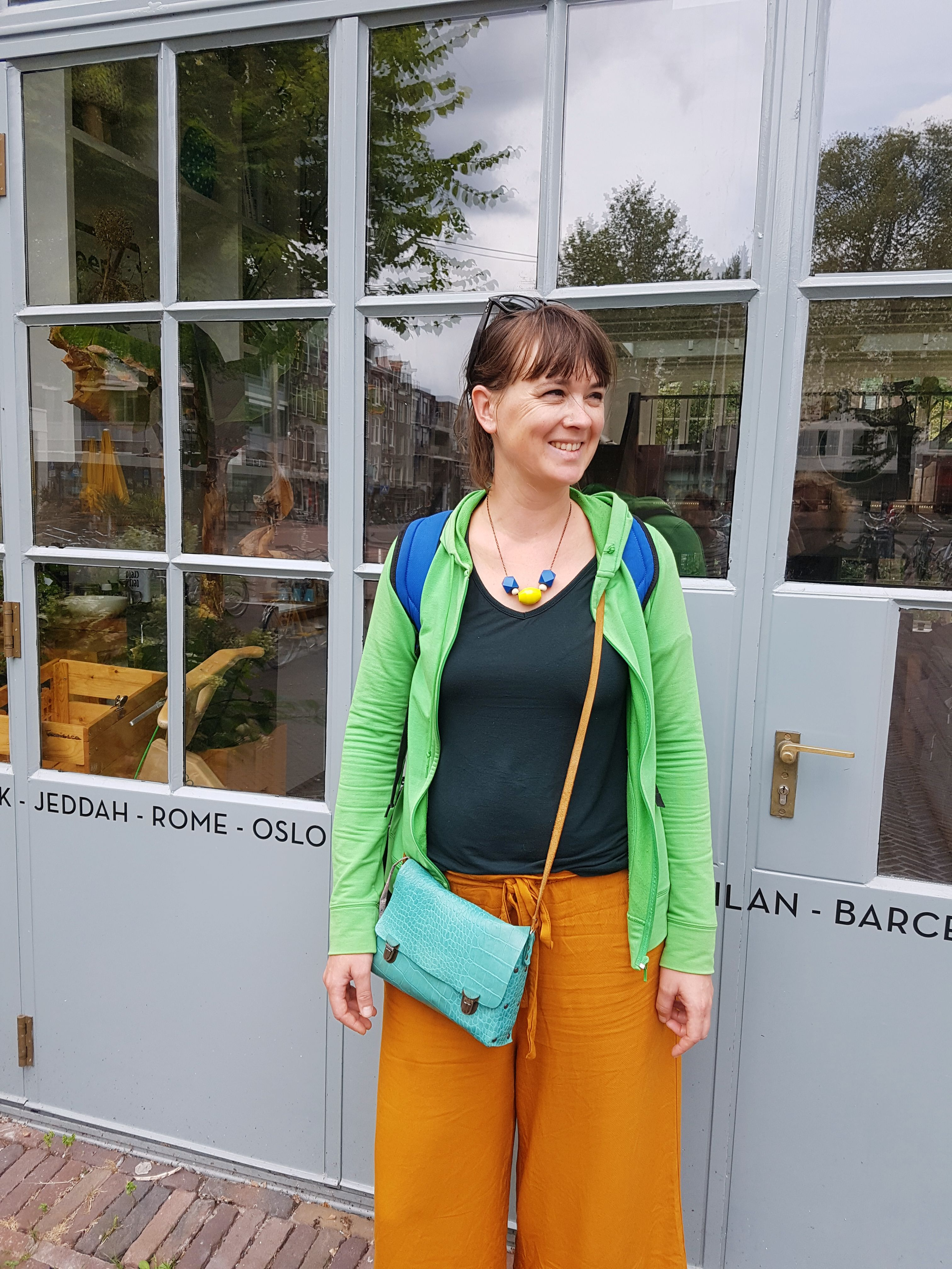 color block outfit amsterdam