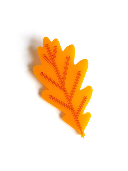 pop leaf brooch