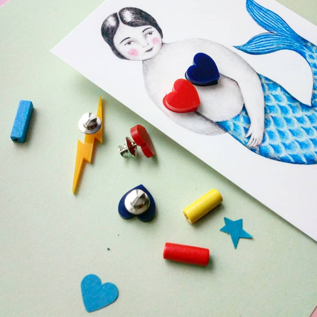 lovely illustrated card with a jewel makes the perfect gift