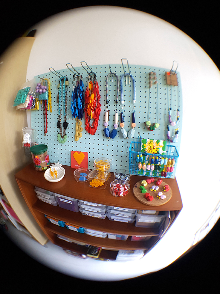 Pop-a-porter's office with a pegboard presentation // creative office space